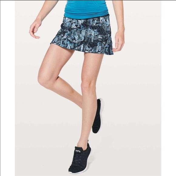 Lululemon Play off the Pleats Skirt Sz 4